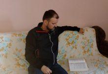 """Photo of Lekar iz Sjenice već šest godina traga za poslom, """"fizikališe"""" da bi preživeo"""
